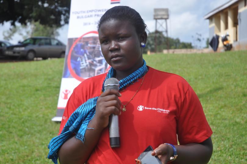 Daina speaks out against child marriage. Immaculate Nalubyayi / Save the Children