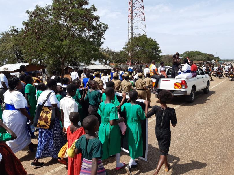 Girls of Naitakwae primary school march against child marriage