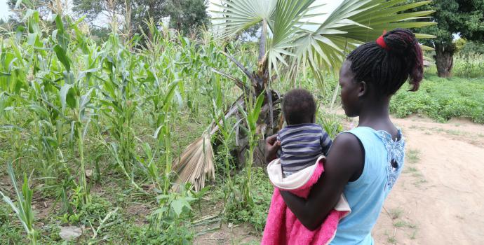 A teenage mother in northern Uganda. Alun McDonald / Save the Children