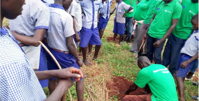 Celebrating World Environment Day in Kiryandongo. Apio Josephine / Save the Children